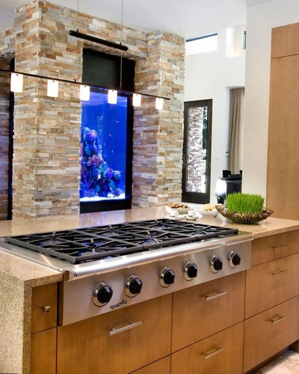 Встраивается в дизайн светлой кухни