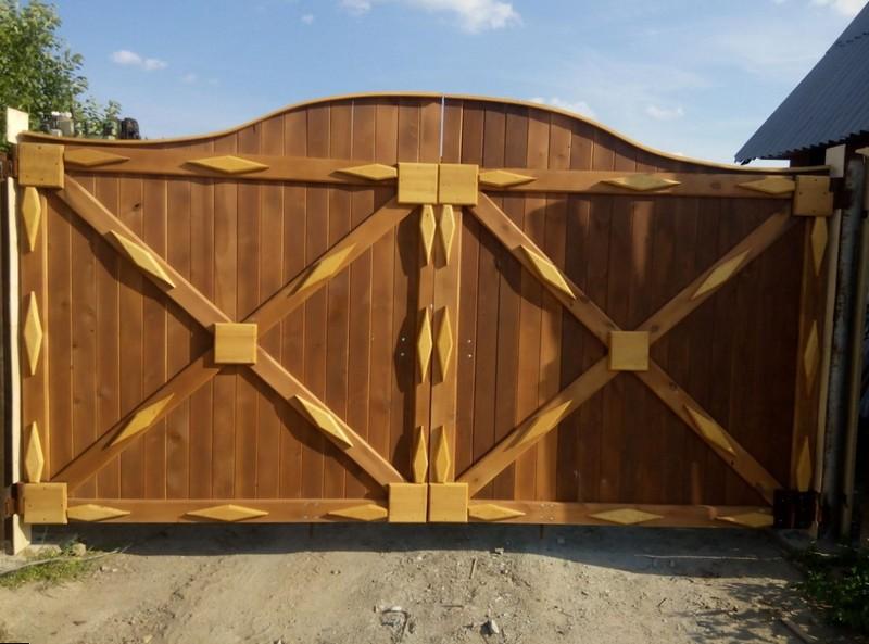 красивые деревянные ворота