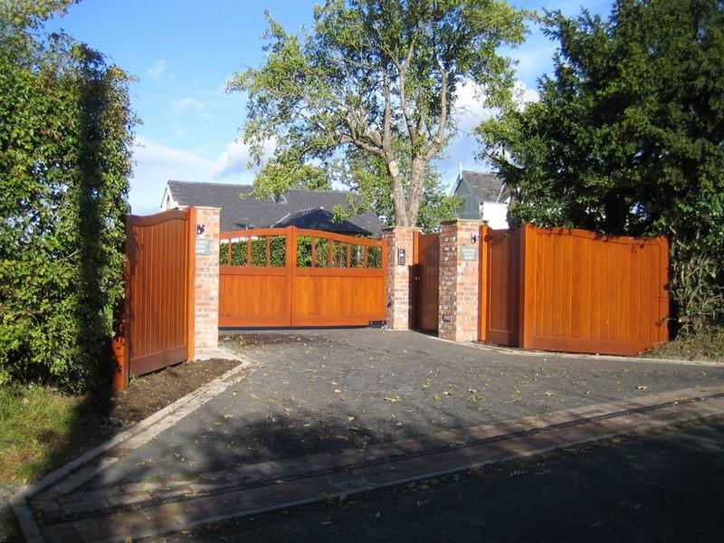 деревянные ворота для дачи фото