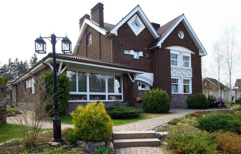Облицовка дома кирпичом в английском стиле