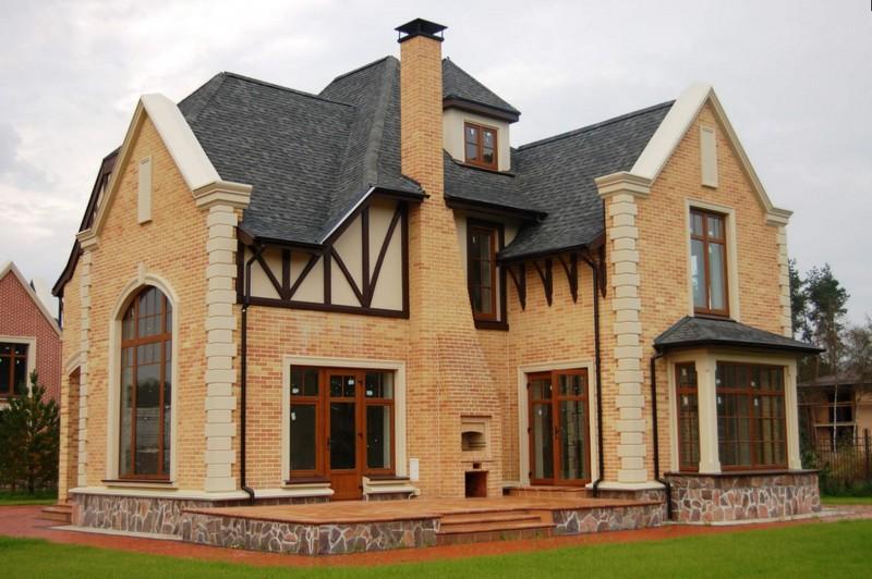 Дизайн дома в английском стиле из кирпича