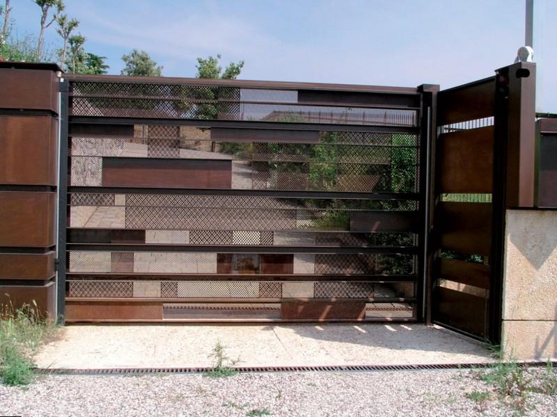 Красивые металлические ворота