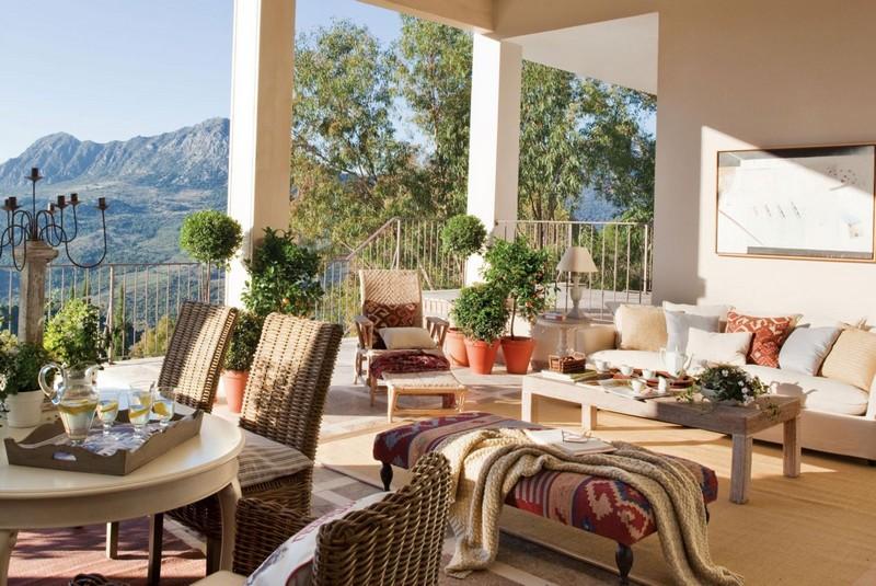 Роскошная терраса с прекрасным видом на горы