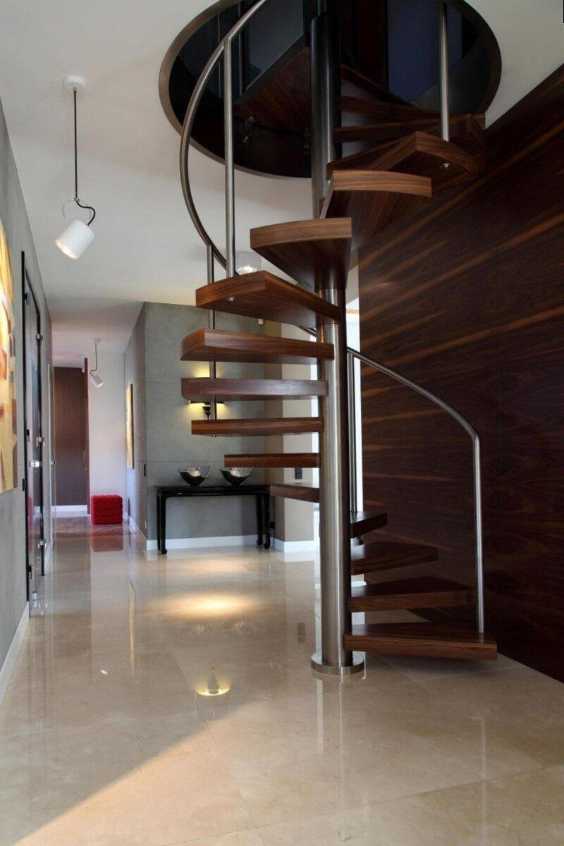Компактная винтовая лестница