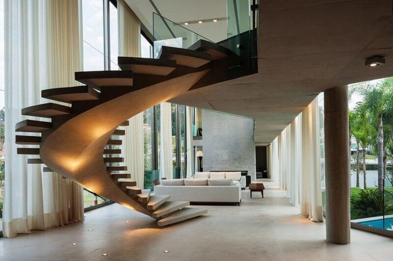 Стильная винтовая лестница с подсветкой
