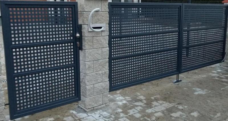 Решетчатые ворота с калиткой