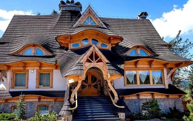 Сказочный деревянный дом