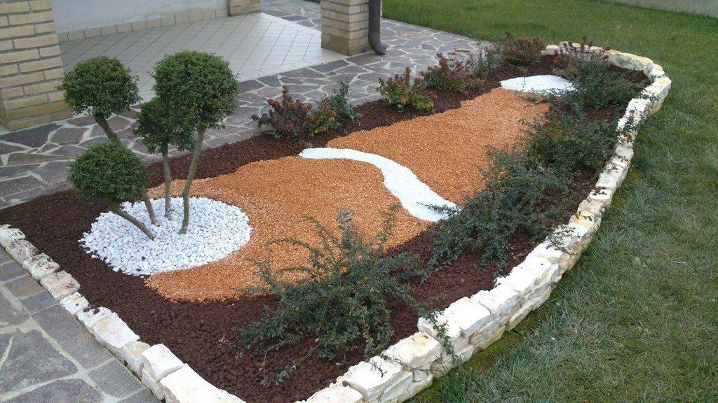 Оформление цветочной клумбы натуральным камнем